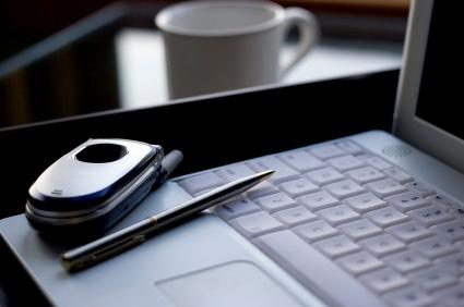 Praktisk hopfällbar mobiltelefon lockar många köpare